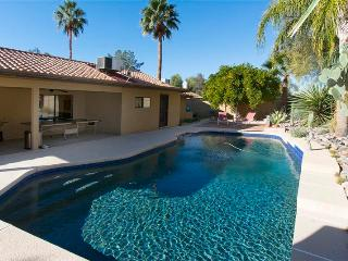 Southwestern-Style 4BR Scottsdale House w/Wifi, Hot Tub & Private Backyard Swimming Pool - Minutes from Golf, Restaurants, Shopping, Nightlife & Outdoor Recreation!