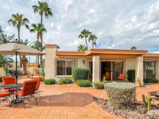 New Listing! Beautifully Landscaped 2BR Fountain Hills Townhome w/Wifi, Huge Private Backyard & Heated Pool Access - Near Fountain Park, Numerous Golf Courses & Fort McDowell Casino!