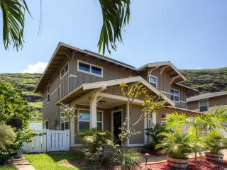 Refreshing 3BR Waianae House w/Wifi, Large Fenced-In Yard & Breathtaking Mountain Views - Close to Several Local Hangouts! Minutes to Renowned Beaches, Restaurants & Golf