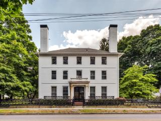 Elegant & Unique 5BR Norwich House Overlooking Chelsea Parade w/Gorgeous Ballroom, Library & Pool Table - Near Museums, Golf & Many Area Attractions!