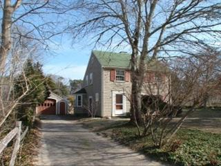 Traditional Saltbox Cape Home-Short Walk to Beach, Brewster