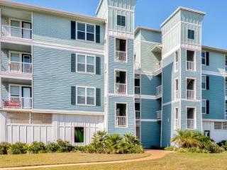 New Listing! Darling 2BR Galveston Condo w/Beach Club Access, Private Balcony & Marvelous Bay/Wetland Views - Close to Beaches, Freeport, Schlitterbahn, Shopping & Major Attractions!