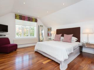 A spectacular four bedroom house, featuring a modern open-plan design., London
