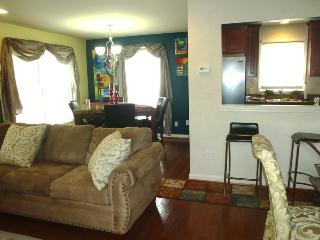 Contemporary 1BR Loft in Atlanta's Historic West Side * Prime Downtown Location! *