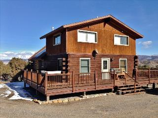 Secluded 2BR Montrose Cabin on 10 Acres w/Wifi & Unbelievable Mountain Views - Easy Access to Prime Hunting, Fishing, Skiing & More!