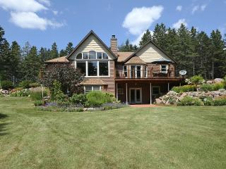 Spectacular Garden Chalet in the Woods, Wausau