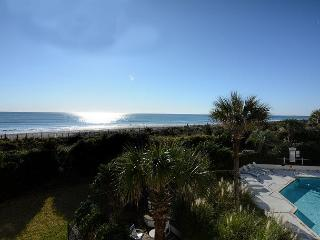 Station One - 2F Serenity-Oceanfront condo with community pool, tennis, beach, Wrightsville Beach