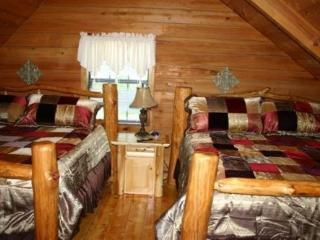 7 B/R, 4 bath with private pool/Home Theater, Sevierville