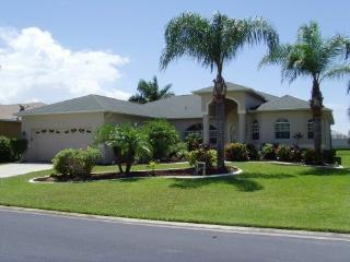 EXECUTIVE 4 BEDROOM VILLA SOUTH FACING POOL, Fort Myers