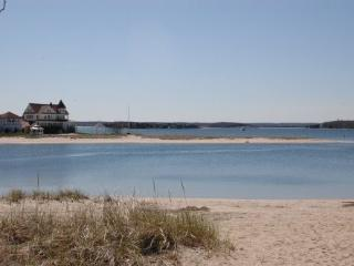 WATERFRONT 3 Bedroom Beach  Home, Onset