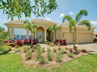 Luxuriously Furnished Executive Villa with Privacy, Bradenton
