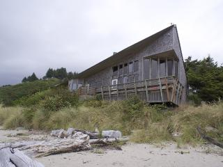 Lincoln City/Neskowin Oceanfront Home