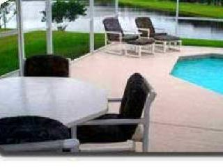 Vacation Home with Pool, Pond, Game Room-Disney is 10 minutes away, Kissimmee