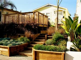 STEPS FROM THE BEACH - Orca Cottage, San Diego