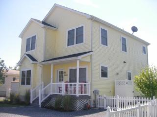 Fabulous Fenwick! Waterfront, charming, & chic!, Selbyville