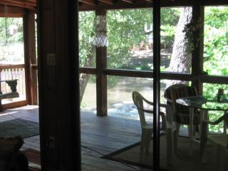 Rivers Edge White Water Cabin, Ellijay