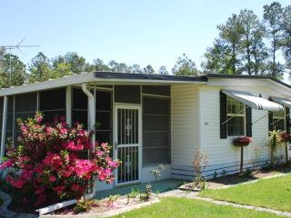 Totally remodled close to many attractions, Brooksville