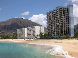 Beach Front Hawaiian Princess Corner Unit Condo, Waianae