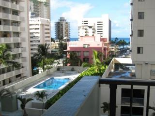 Affordable family condo for the price of studio, Honolulu