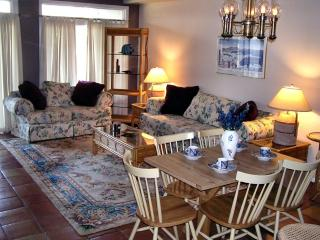 5 Blocks to the Beach -  sleeps 9, Rehoboth Beach