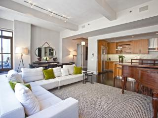 Huge Luxury Apartment in the Heart of Midtown, New York City