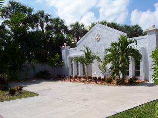 Beach house at world-famous St. Armand's Key, Sarasota