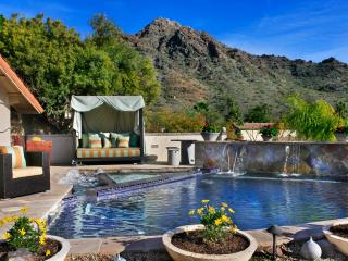 Amazing Mountain and City Views - Phoenix Home