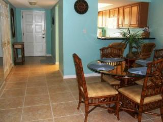 Luxury Condo Ground Floor Across the Street, Siesta Key