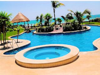 Oceanfront Estate with Private Pool, Cancun