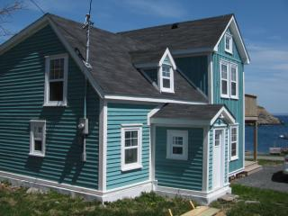 Love's Anchor by the Sea (oceanview rental), Upper Island Cove