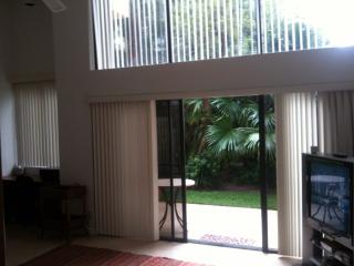 Beautiful townhome  five minutes walking to the be, Deerfield Beach