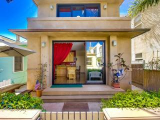 MISSION BEACH HOME - STEPS TO THE SAND!, San Diego
