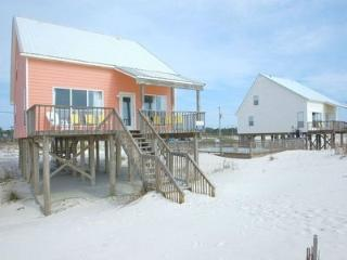 Summer Wind is Beach Front, Pool, Wifi, Fort Morgan
