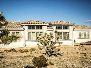 Vacation with Your Horse! 3 Bedroom Ranch House, Las Vegas