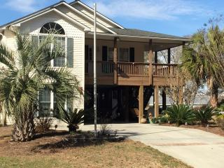 BEACH DREAMIN / 339 NE 46th Street, Oak Island