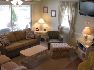 400' to beach, walk to town, central air, bikes, Cape May