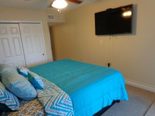 Cocoa Beach Oceanfront, NEW Remodel, 2bd/2bth,WOW!