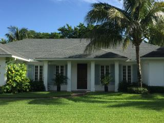 Luxury House Steps from Private Beach, Heated Pool, Vero Beach