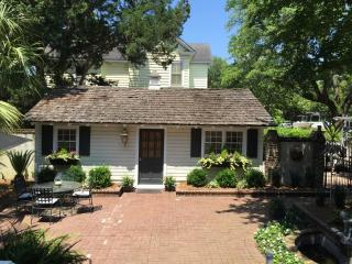 Historic Guest Cottage in the Heart of Georgetown