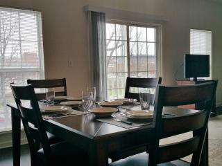 Waterfront Shopping Luxury 1 and 2 BR, Munhall
