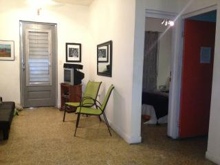 Vieques Good Vibe Green House sleeps 10, Isabel Segunda