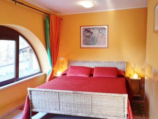 Holiday Apartment 'Orange'/ Villa 'Selva Grande', Sant'Oreste