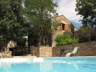Converted barn with fabulous views over Penne