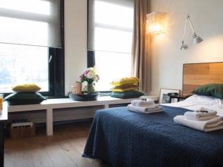 Spacious canal studio in center, Amsterdam