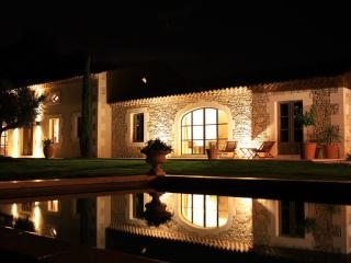 Splendid 8 bedrooms farmhouse heated pool air cond, Saint-Remy-de-Provence