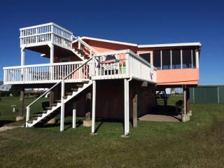 Hunky Dory, beach cottage with a fishing fettish :, Galveston