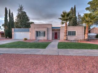 NEW! 2016 Tranquil Modern Oasis in the Desert, El Paso