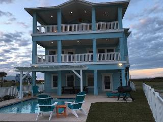 Beach-A-Holic: SPECIAL MARCH 3-27 STAY 3 NIGHTS GET 1 FREE, Port Aransas