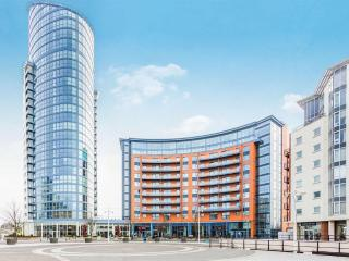 Gunwharf Quays 1 Bedroom Apartment for 4 people, Portsmouth