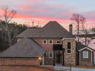 New Lake Home Great Location, Elevator, Stunning!, Buford